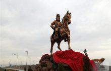 مجسمه عباس میرزا با ۴۰ میلیون تومان در ارس اجرا و رونمایی شد