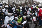 سرکوب هزاران جلیقه زرد فرانسه با سلاح جدید+تصاویر