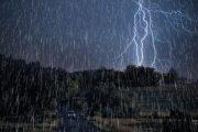 رگبار باران همراه با رعدوبرق ۱۳ استان کشورمان را در برمیگیرد