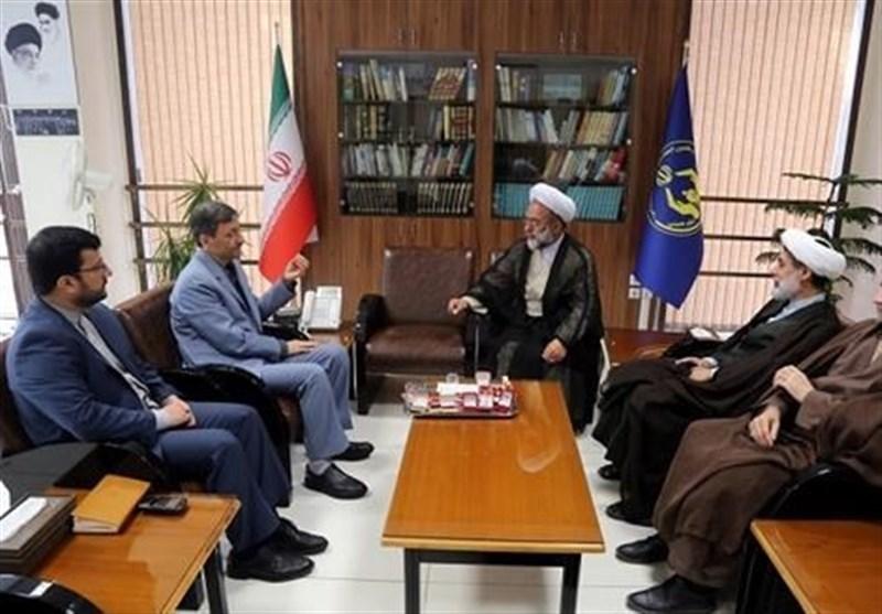 کمک ۳ میلیاردی شیعیان هندوستان به سیلزدگان ایران تحویل کمیته امداد شد