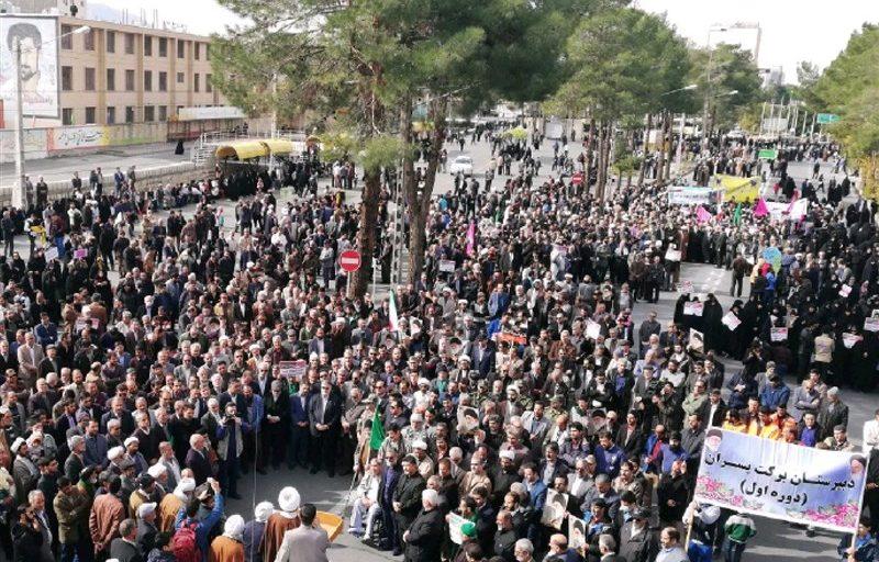راهپیمایی باشکوه مردم مازندران علیه اغتشاشگران / علوی تبارها در دفاع از ولایت حماسه آفریدند