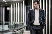شهاب حسینی: در فیلم با بودجه دولتی بازی میکنید اما از فجر انصراف میدهید؟/با افتخار نقش شهید بابایی را بازی کردم