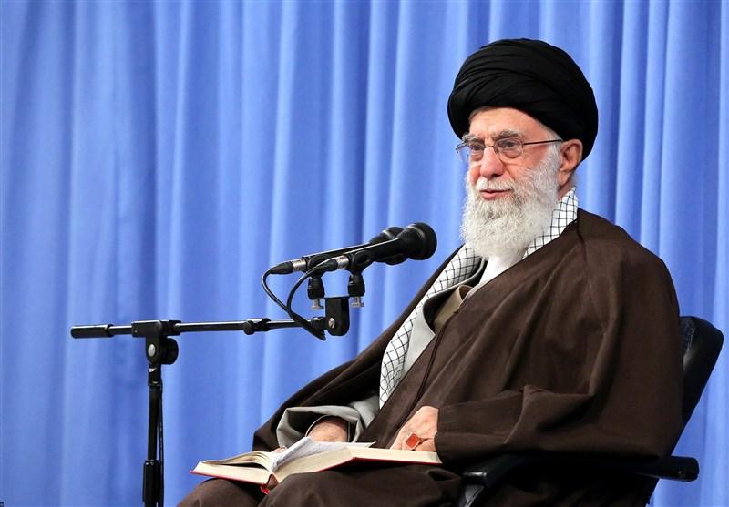 امام خامنهای: باید با استفاده از تحریم، اقتصاد را از وابستگی به نفت نجات داد/ برای اینکه جنگ نشود باید قوی شد